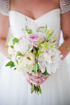 #bouquet | Martha Clara Vineyards Wedding from W Studios New York  Read more - http://www.stylemepretty.com/new-york-weddings/2013/11/08/martha-clara-vineyards-wedding-from-w-studios-new-york/