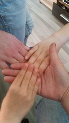 Schleife zeigen Bild 0196  #schleifezeigen #kinderschutz #challenge #1207schleifen #fingerweg #fingerweginfo