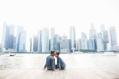 A Casual Contemporary Pre-Wedding Shoot In Singapore - 003 Pre Wedding Shoot Ideas, Pre Wedding Poses, Wedding Couple Photos, Pre Wedding Photoshoot, Casual Engagement Photos, Engagement Photo Outfits, Engagement Ideas, Prenuptial Photoshoot, Singapore Photos