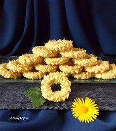 AranyTepsi: Kókuszos darálós karika Hungarian Recipes, Onion Rings, Cookie Dough, Main Dishes, Biscuits, Clean Eating, Vegetarian, Cookies, Cake