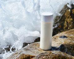 Este gel de ducha cremoso para piel seca nos proporciona las vitaminas y minerales de la leche de cabra y las propiedades hidratantes de ...