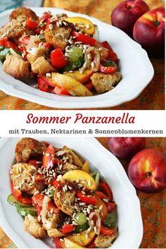 Sommer Panzanella mit Trauben Nektarinen und Sonnenblumenkernen
