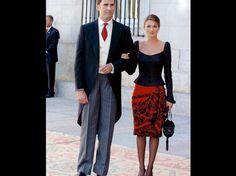 Resultados de la Búsqueda de imágenes de Google de http://cdn.revistavanityfair.es/uploads/images/thumbs/201111/letizia_se_va_de_boda____qu___look_le_favorece_m__s__498478982_488x365.jpg