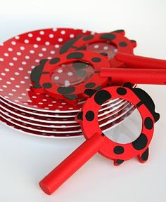 {Fun Finds} Ladybug Magnifying Glasses and Polka-Dot Plates. http://www.glorioustreats.com/