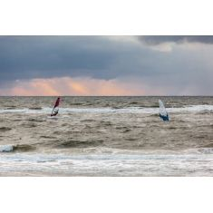 Windsurfer bei Wenningstedt, Sylt, Meer, Sonnenuntergang, Fototapete Merian, Fotograf: W. Schmitz