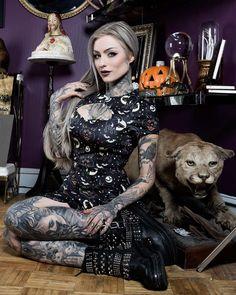 Scuba Dress by Sourpuss - Lucy Fur Hot Tattoos, Body Art Tattoos, Girl Tattoos, Tattoos For Women, Tatoos, Tattooed Women, Black Tattoos, Hot Tattoo Girls, Tattoed Girls