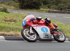 James Hillier and Dan Cooper return to Classic TT Races with CSC Racing