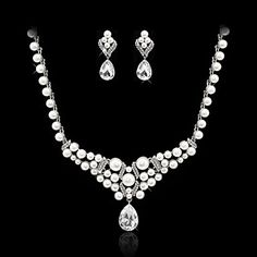 Alloy Imitation Pearl And Czech Rhinestones Jewelry Set Including Necklace And Earrings