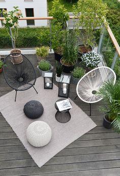 Make Home Easier Small Balcony Design, Small Balcony Decor, Small Terrace, Terrace Design, Small Patio, Patio Design, Chair Design, Acapulco Chair, Balkon Design