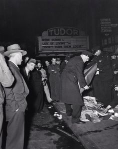 Image from http://www.wired.com/images_blogs/rawfile/2009/06/weegee_accident.jpg.