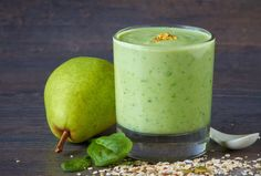 Nutrisystem provides a healthy and delicious recipe for a Green Goddess Smoothie… Matcha Smoothie, Vanilla Smoothie, Smoothie Detox, Pear Smoothie, Healthy Green Smoothies, Green Smoothie Recipes, Breakfast Smoothies, Fruit Smoothies, Simple Smoothies