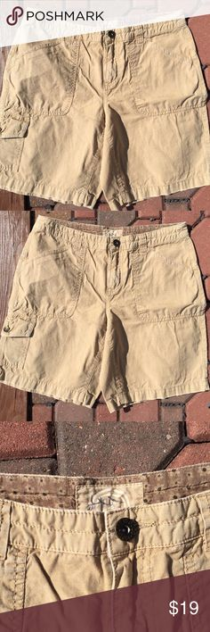 """Life is Good Cargo Shorts Size 6 Size 6. Khaki. Inseam: 8.5"""". Be sure to view the other items in our closet. We offer both women's and Mens items in a variety of sizes. Bundle and save!! Thank you for viewing our item!! Life is Good Shorts Cargos"""