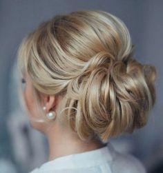 Tonya Pushkareva Long Wedding Hairstyle for Bridal via tonyastylist / http://www.himisspuff.com/long-wedding-hairstyle-ideas-from-tonya-pushkareva/28/