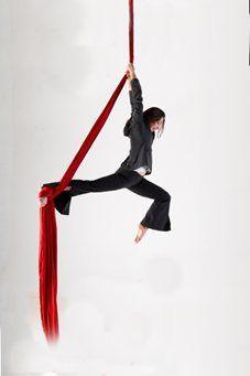 Edinburgh Performers - Aerial Silks & Trapeze - Scotland (1)