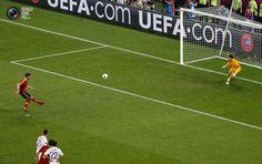 Xabi Alonso's second. Spain vs France 2:0