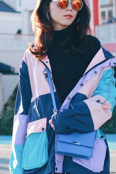 Japanese Fashion Blogger,Mizuho K,OOTD,UNIQLO_Black turtle neck knit top,SheIn_pastel color patchwork windbraker,Front Button Denim skirt,ZARA Blue mini crossbody,H&M mitten,Choies laceup boots,zeroUV_round mirrored sunglasses,Loopearrings, sporty casual style