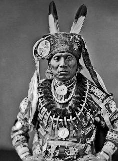 Otoe Chief Standing Eating - Waruche-na-yin 1884