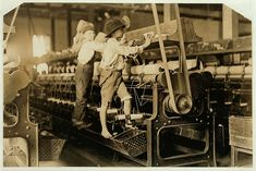 Youngsters at Bibb Mill No. 1, 1909- Heart-Breaking Pictures of Child Labour In USA by Lewis Hine in early 1900s America. This photo series, archived by the Library of Congress, shows what conditions were like for child laborers before child labor was largely eliminated in 1938.