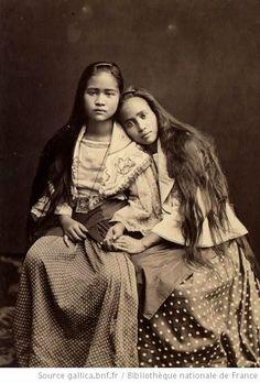 ▫Duets▫ sisters, twins & groups of two in art and photos - Filipina sisters Philippines Photography En nuestro blog mucha más información https://storelatina.com/philippines/travelling #පිලිපීනයයි #فیلیپین #Φιλιππίνες #Filipinai Philippines Photography सूचना के लिए हमारी साइट पर पहुंचें https://storelatina.com/philippines/travelling