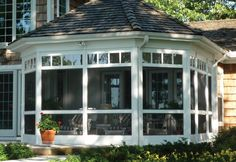Take a look at this intersting deck gazebo - what a clever concept Vinyl Pergola, Wood Pergola, Pergola Shade, Deck Gazebo, Pergola Patio, Pergola Kits, Enclosed Porches, Screened In Porch, Side Porch