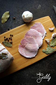 Cold Cuts, Polish Recipes, Smoking Meat, Tortellini, Charcuterie, Butcher Block Cutting Board, Ham, Sausage, Recipies