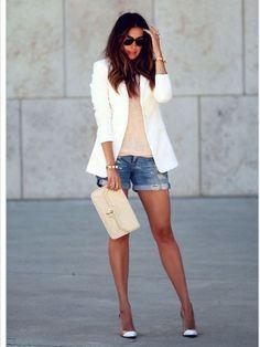 chaqueta..formal mix con shorcitos de jean .. look super chick!