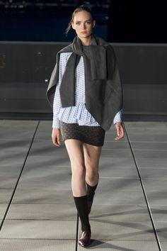 Thakoon Fall 2016 Ready-to-Wear Fashion Show - Adrienne Jüliger. Love the way the cardigan hangs!