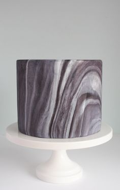 How to Marble Fondant With Ease