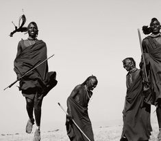 Herb Ritts : Maasai Warriors - Dance Ceremony, Africa 1993