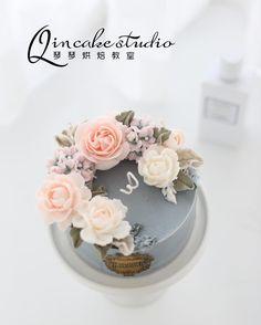 #candleflower#flowercake# flowercandle#diyideas#weddingideas#garden#vintage#blossoms#giftideas#蜡烛裱花蛋糕#蜡烛花#cake #Ningbo #flower #flowers #baking #dessert #bakingclass #bakingstudio #Qinqinbakingstudio Student works in Qinqin baking studio. 학생작품