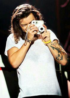 Do u like to captured pics with camera...harry