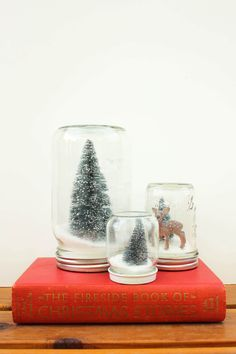 How to make Anthropologie knockoff snow globes with mason jars and salt. Ridiculously easy and inexpensive Christmas gift idea. Click to see full tutorial.