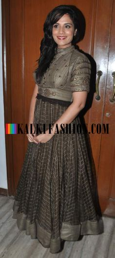 http://www.kalkifashion.com/ Richa Chadda in a floor length anarkali suit at Kids Function award