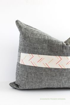 Rainy Day Sewing Book Tour | Spotlight Cushion – Shannon Fraser Designs Handmade Pillows, Diy Pillows, Quilting Tutorials, Quilting Designs, Sparks Joy, Modern Quilt Patterns, How To Finish A Quilt, Art Gallery Fabrics, Traditional Quilts