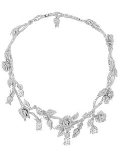 Dior Joaillerie- Collar en oro blanco formando rosas.