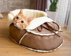 Unique Designer Pet Bed Cat bed for Small Pets by NappingJoJo