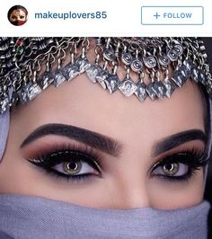 Beautiful Arab Women, Most Beautiful Eyes, Beautiful Eye Makeup, Stunning Eyes, Beautiful Hijab, Arabian Eyes, Arabian Makeup, Bride Eye Makeup, Rose Flower Pictures