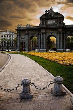 Puerta de Alcala, Madrid Spain