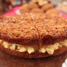 Ballı Badem Pastası