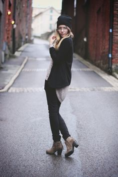 black jeans / brown boots