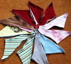 Spucktücher aus alten Shirts / Bibs made from old shirts / Upcycling