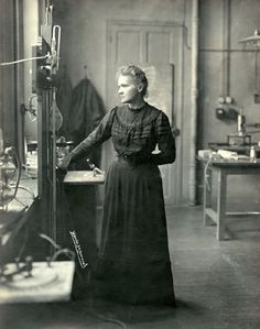 Henri Manuel - Marie Curie dans son laboratoire, 1912.