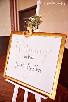 Welcome wedding guests at wedding poster. How to welcome wedding guests. Welcome to our wedding - Dyi Decorations, Gold Wedding Decorations, Rustic Wedding, Wedding Day, Wedding Posters, Welcome To Our Wedding, Tree Branches, Diy And Crafts, Wedding Flowers