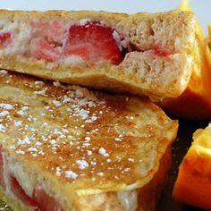 Stuffed berry french toast is naturally sweet and rich! A delicious and healthy breakfast for a special occasion, minus the usual sugar! Birthday Breakfast, Breakfast For Kids, Breakfast Recipes, Breakfast Menu, Super Healthy Kids, Healthy Meals For Kids, Healthy Recipes, Canadian Food, Canadian Cuisine