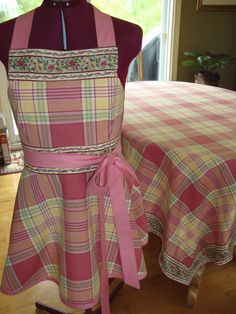 Nappe et tablier Weaving Patterns, Hand Weaving, Apron, Creations, Textiles, Stripes, Board, Projects, How To Make