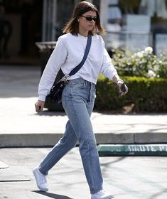 @SofiaRichie spotted out and about in Calabasas. (March 12) #sofiarichie