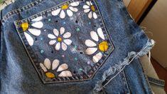 Diy Clothes And Shoes, Diy Clothing, Custom Clothes, Painted Jeans, Painted Clothes, Jeans Tumblr, Denim Art, Diy Shorts, Diy Vetement
