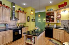 Table, kitchen, bathroom, ceiling, lamps, dishes, pictures