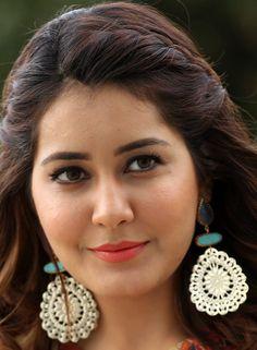 Telugu Actress Rashi Khanna Face Close Up Photos Gallery