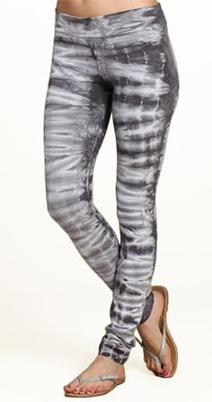 Axle Leggings in my closet for casual days. Tie Dye Outfits, Casual Outfits, Silver Icing, Tie Dye Leggings, Shops, Tie Dye T Shirts, Online Collections, Fashion Company, Fashion Online